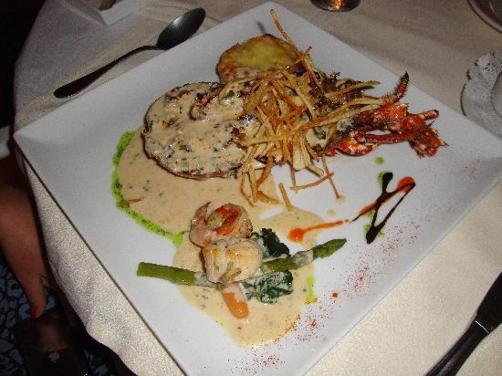 L'Artisanal: Half lobster