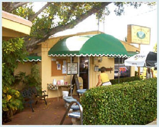 Cypress Nook Bavaria Haus Restaurant : Exterior Patio