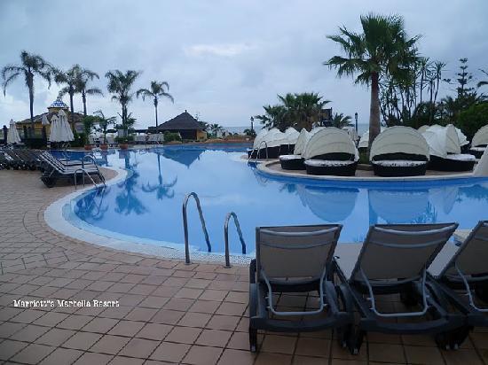 Marriott's Marbella Beach Resort : Main pool at resort