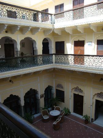 Khandela Haveli: The inner court of the Haveli