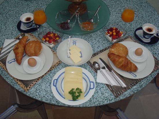 Purple House Bed & Breakfast: Nice breakfest