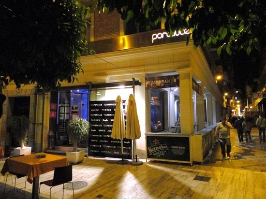 Temporaneo is less conspicuous than some other restaurants in the area, but has good food and ev