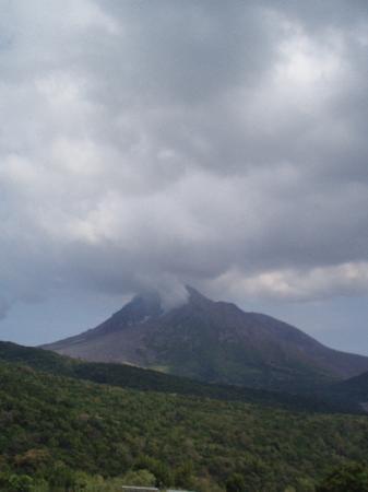 มอนต์เซอร์รัต: Soufriere Hills Volcano