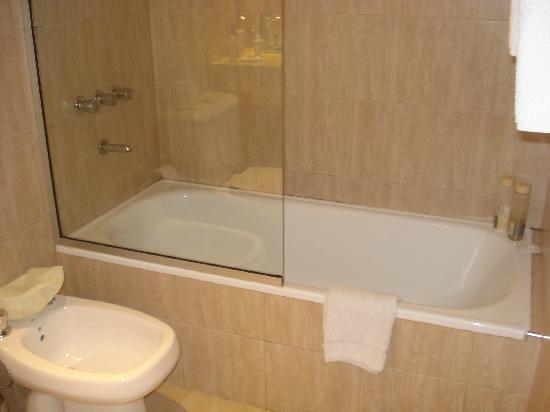 Monarca Hoteles: Banheiro - foto 1