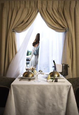Sofitel Queenstown Hotel & Spa: In-Room Dining