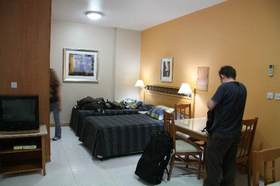 Golden Sands Hotel Apartments: Main Room of Apartment