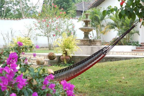 Hacienda la Esperanza: Hammock to relax in