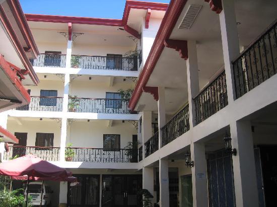 写真Legaspi Suites枚