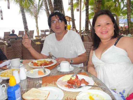 Ambassador in Paradise Resort: breakfast by the beach