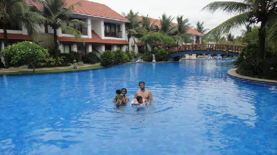 Swimming Pool Picture Of Radisson Blu Resort Temple Bay Mamallapuram Mahabalipuram Tripadvisor