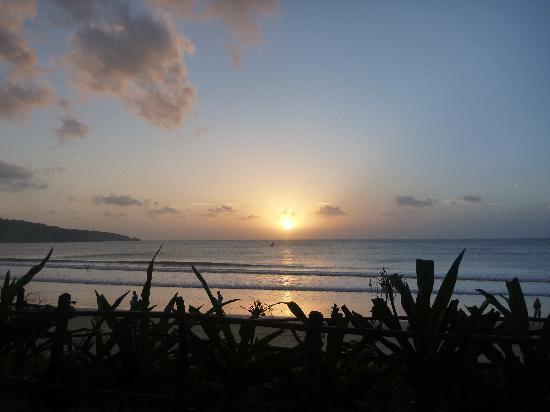 INTERCONTINENTAL Bali Resort: Sunset @ Beach Bar