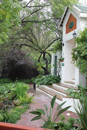 Rivonia Bed & Breakfast: Entrance