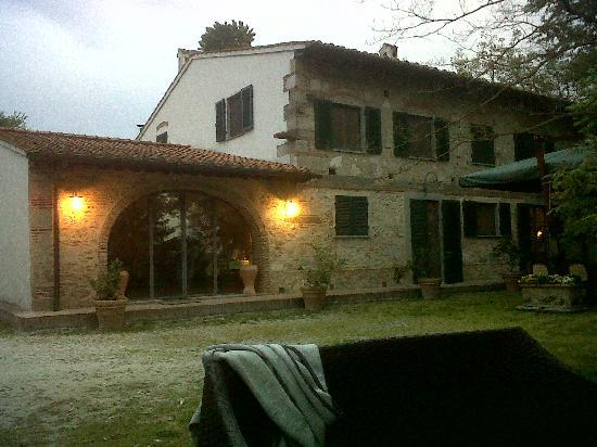 Casale La Piaggia: ... al tramonto
