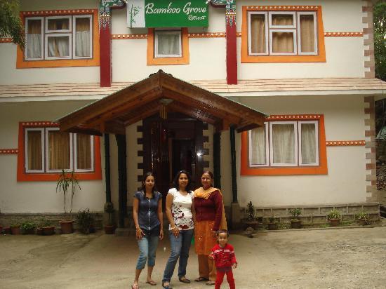Bamboo Grove Retreat: Hotel Entrance