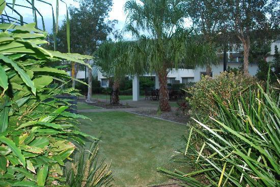 Whalecove Resort: lush surrounds
