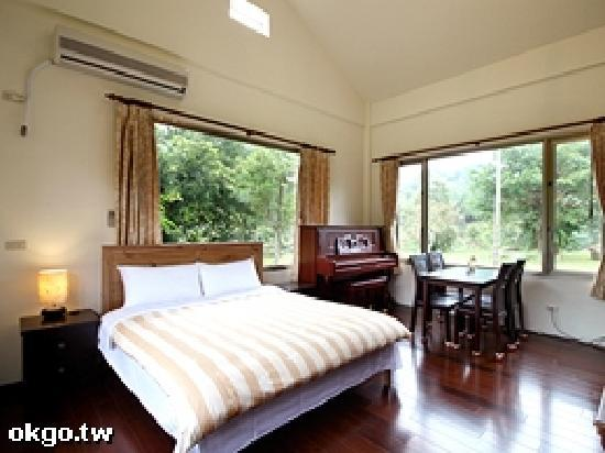 Taiwan Thumb-up B&B: Taiwanthumbup2
