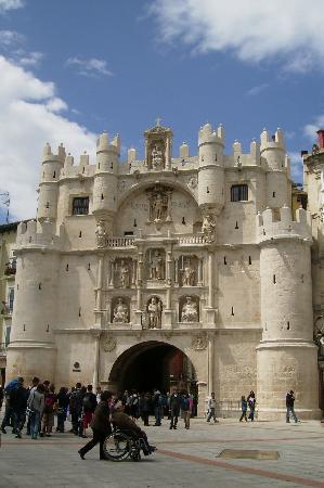 Burgos, Spain: Puerta Santa María