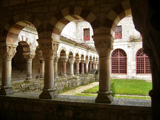 Burgos, Spanien: Claustro,Monasterio S.Pedro