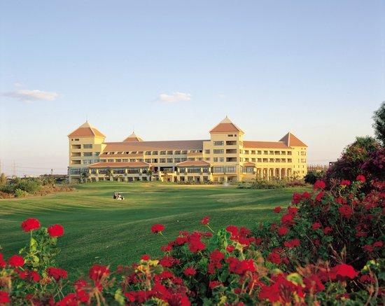 Hilton Pyramids Golf Resort- Overview