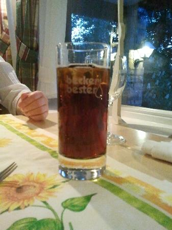 Landidyll Wald und Sporthotel Polisina: Cooles Glas für einen Jacky Cola, ansage, die Gläser sind aus.