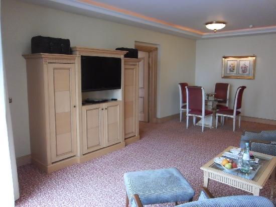 Althoff Seehotel Überfahrt: Wohnzimmer Executive Suite