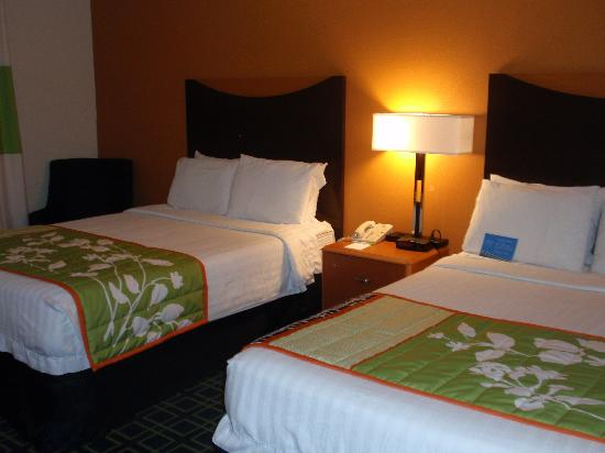 Fairfield Inn Fayetteville : Beds