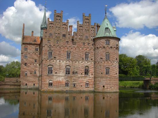 Château d'Egeskov : これが水上城です。