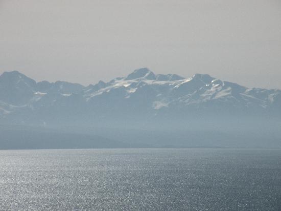 Ecolodge La Estancia : Una vista del lago desde el albergue