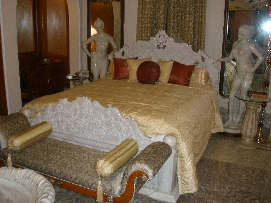 The Shiv Vilas : luxurious furniture