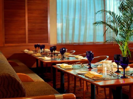 Swiss-Belhotel Sharjah: Al Dar Restaurant