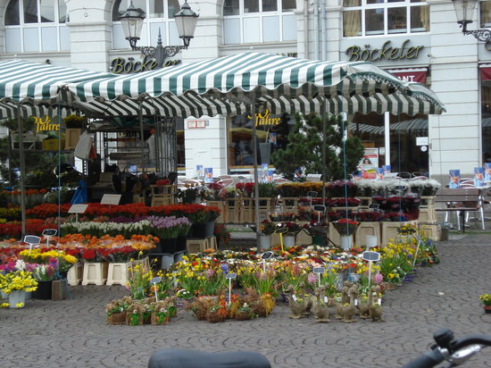 Karlsruhe, Germany: Marktplatz (Kaiserstr)