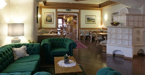 Циано-ди-Фьемме, Италия: Hotel Al Polo Val di Fiemme - salotto