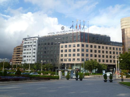 SH Valencia Palace: Esterno dell'hotel