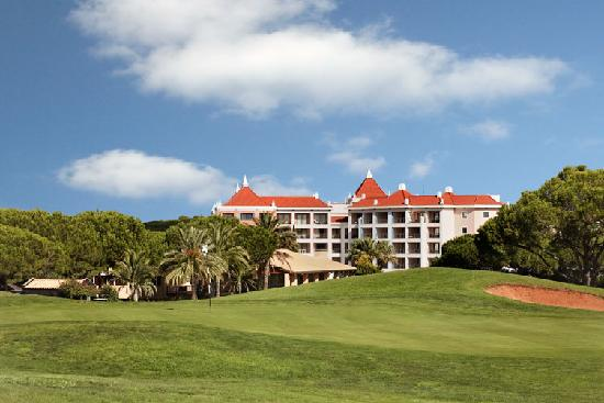 Hilton Vilamoura As Cascatas Golf Resort & Spa: View from Oceânico Pinhal Golf Course