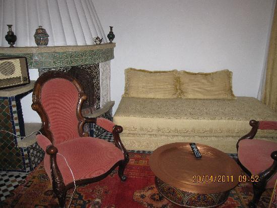 RIAD EL GHALIA : salon TV suite Laaziza