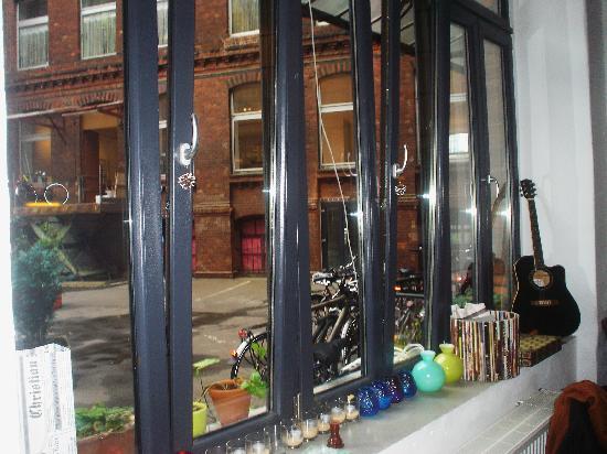 Ima Loft Apartment: il cortile
