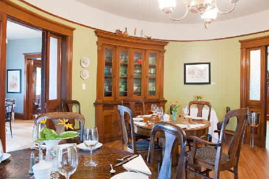 AUBERGE inn thyme: The Oval Breakfast Room