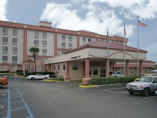 Quality Inn & Suites Winter Park Village Area: Exterior