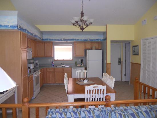 Bryan's Spanish Cove: Kitchen