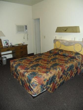 Stovepipe Wells Village Hotel: Non c'era la TV ma era confortevole