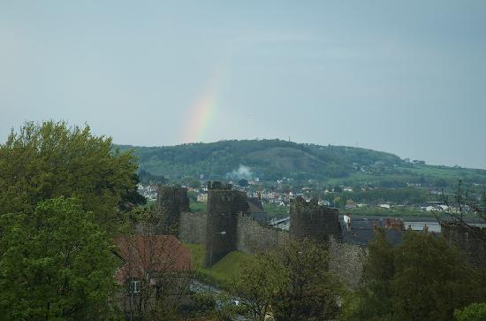 Castlebank Hotel: A rainbow taken from the single room where I stayed.