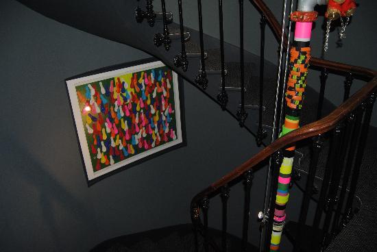 New Hotel Opera: escalera muy original decorada