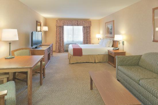 Holiday Inn Express Bishop: King Guest Room