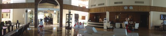 TRS Turquesa Hotel: part of the new lobby bar