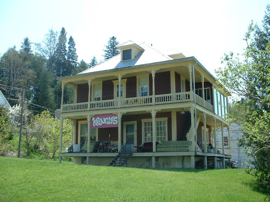 Kringle's Bed & Breakfast: 21 Marshall Street.