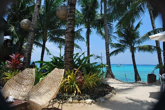 Microtel Inn & Suites by Wyndham Boracay : sea side