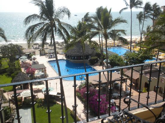Vallarta Torre: View of the Pool Palapa and restraunt