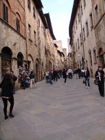 سان جيميجنانو, إيطاليا: vicoli san gimignano