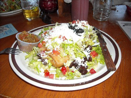 Del Borracho Saloon & Grill: Chimichanga....yummy