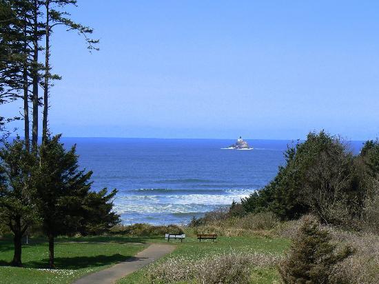 ذا كنتري يارد: Tillamook Lighthouse